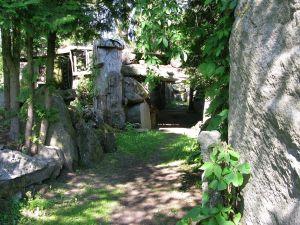 Skulpturen im mystischen Garten des Vilius Orvyd